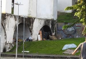 Acampamento de morador de rua nos Arcos da Lapa Foto: Terceiro / Agência O Globo