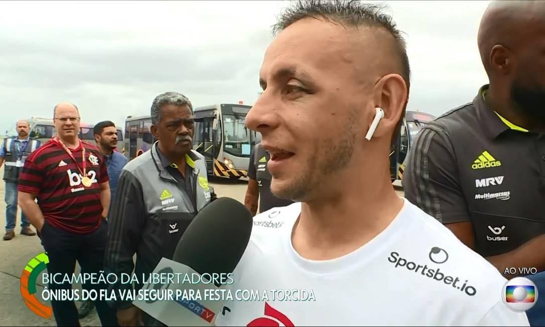 Wilson Witzel (PSC) no terminal de cargas do Galeão Foto: Reprodução / TV Globo
