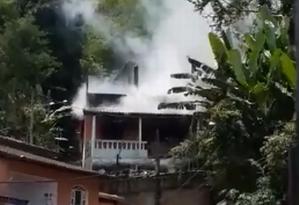 Residência pegou fogo em Angra dos Reis Foto: Facebook / Reprodução