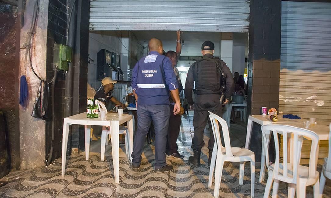 Bares que desrespeitavam quarentena do coronavírus são fechados pela  prefeitura - Jornal O Globo