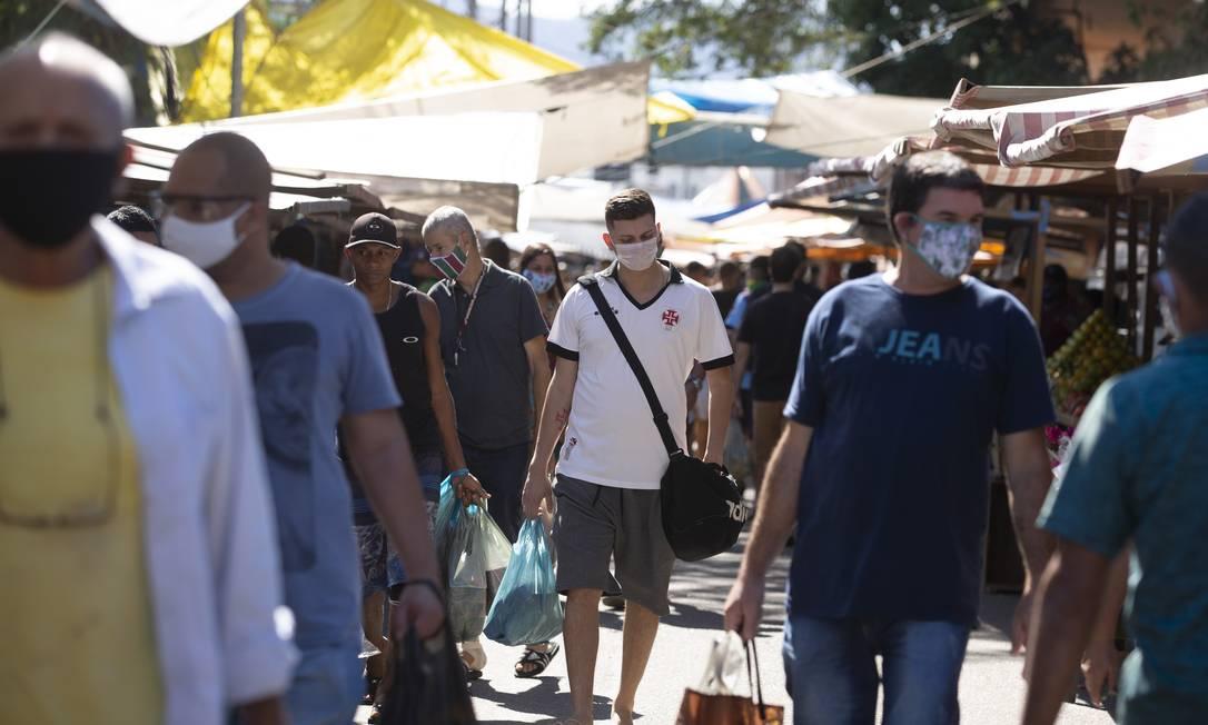 Feira livre na Zona Oeste Foto: Márcia Foletto / Agência O Globo