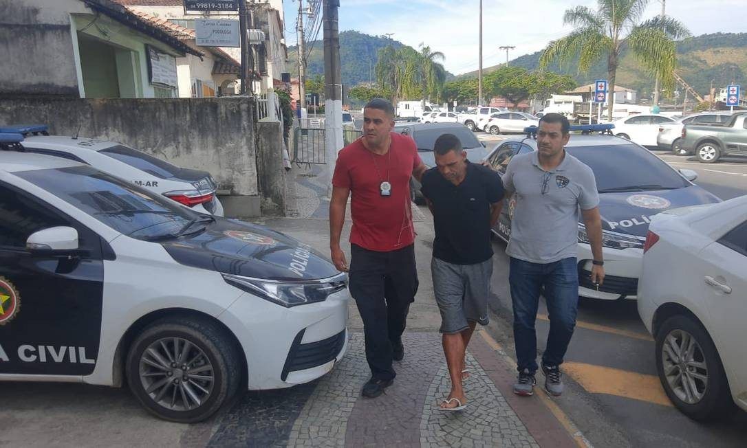 Prisão de traficante no Centro de Angra Foto: Divulgação