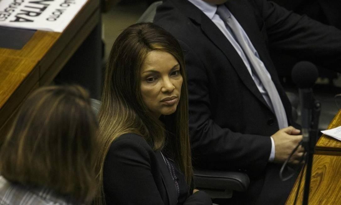 Flordelis: Justiça não consegue intimar deputada Foto: .