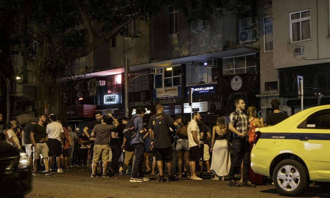 O Jobi, na Rua Ataulfo de Paiva, foi o último da região a encerrar o atendimento, por volta das 3h50 Foto: Alexandre Cassiano / Agência O Globo