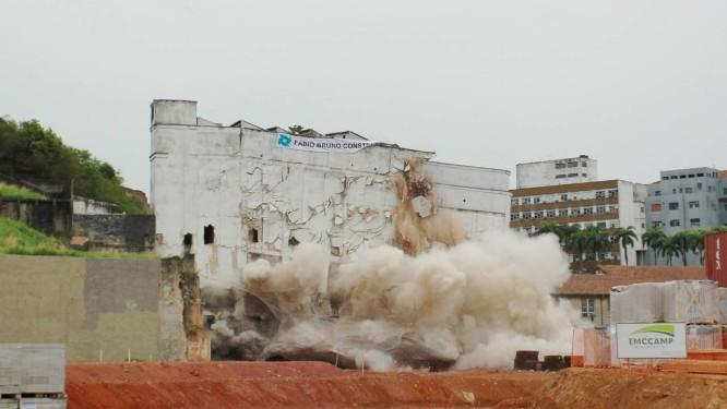 Antigo prédio da Manchete é demolido no Estácio Foto: Gabriel de Paiva / O Globo