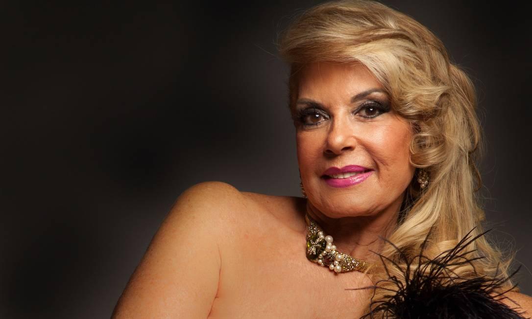 Mulheres cariocas de até 79 anos são fotografadas nuas