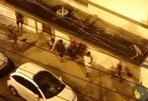 Consumo de crack e venda de drogas na Rua General Silvestre Rocha, em Icaraí Foto: Foto de leitor