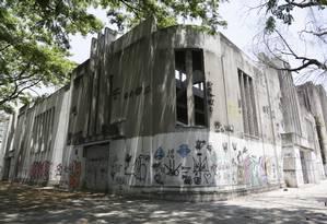 Imóvel ainda precisa passar por reforma Foto: Agência O Globo / Carlos Ivan