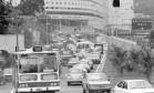 Intenso fluxo de veículos na autoestrada Lagoa-Barra em janeiro de 1982, pouco depois da inauguração Foto: Arquivo / Luiz Pinto/21-01-1982