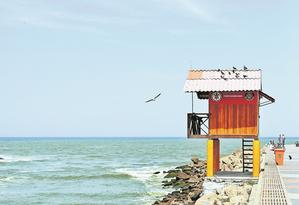 Quebra-Mar. O píer do início da Praia da Barra seria prolongado, segundo o projeto Foto: Brenno Carvalho