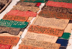 """Escritas do Bispo incluem datas, nomes e poesias, a fim de """"registrar todas as coisas do mundo"""" Foto: Brenno Carvalho"""