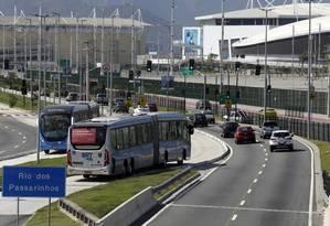 Saída do Terminal do BRT em frente ao Parque Olímpico na Barra da Tijuca Foto: Gustavo Miranda / Agência O Globo