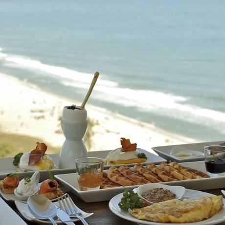 Espaço 7zero6. Inspiração na vista da Praia de Ipanema para criar o café da manhã para hóspedes e o público em geral Foto: Divulgação/Danhi B