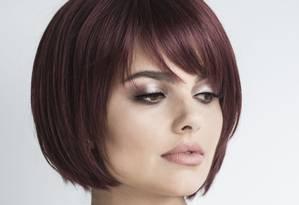 A modelo Marina Terra usa peruca curta da Fiszpan (fiszpan.com.br) Foto: Divulgação/Vinicius Mochizuki