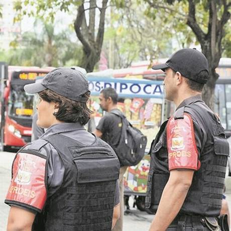 Agentes do Proeis no Centro: prefeitura quer ações que combatam violência na origem Foto: Divulgação/Leonardo Simplício