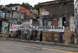 Moradores e alunos da UFF protestam na comunidade Foto: Divulgação