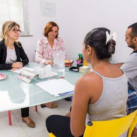 Voluntárias prestam serviço gratuito de mediação familiar, com reuniões conduzidas em dupla Foto: Divulgação