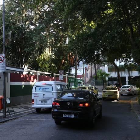 Rua Álvaro Chaves foi beneficiada pelas ações da Rioluz Foto: Pedro Teixeira / 26-4-2018 / Agência O Globo