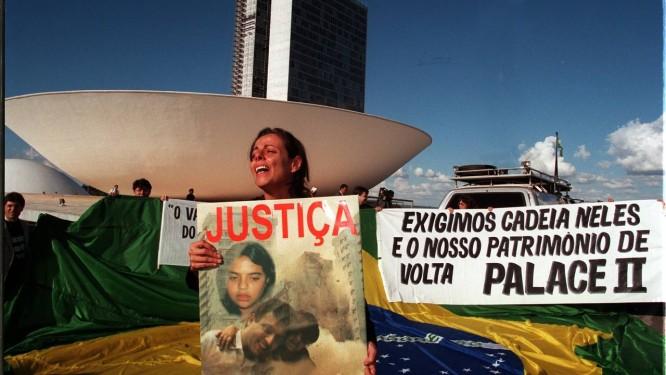 Ex-moradora do Palace II, Bárbara Alencar, que perdeu o marido e a filha no desmoronamento. Foto: Roberto Stuckert Filho