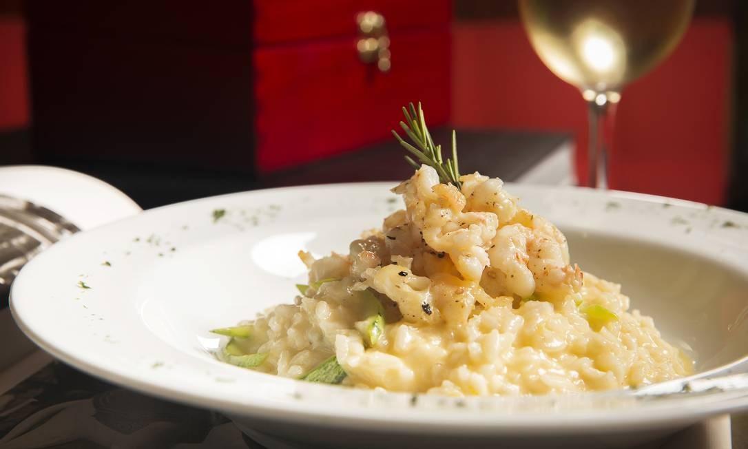 """O """"Petit palais"""", prato do Amélie Crêperie, é um risoto de limão-siciliano com açafrão, abobrinha e lagostins (R$ 56) Foto: Divulgação/Oseias Barbosa"""