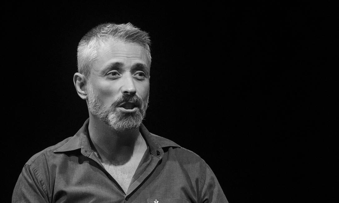 """Luciano Mallmann, intérprete de """"Ícaro"""". Foto: Divulgação/Fernanda Chemale"""