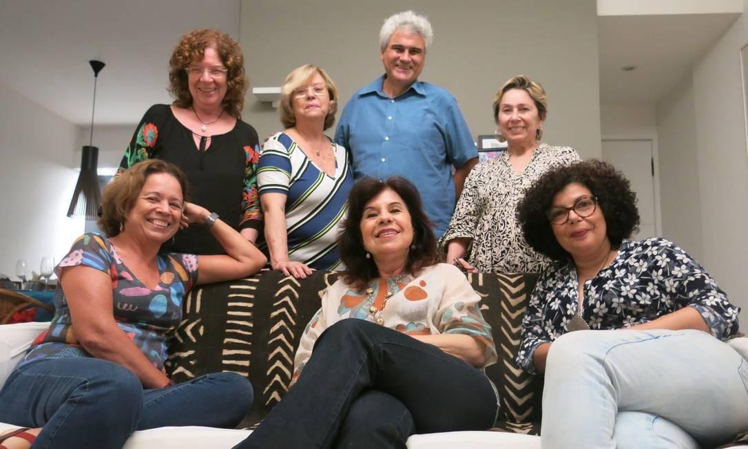 Grupo literário Estilingues. Foto: Hugo Limarque / Agência O Globo