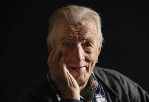 O ator comediante completará 100 anos em outubro Foto: Ana Branco / Agência O Globo