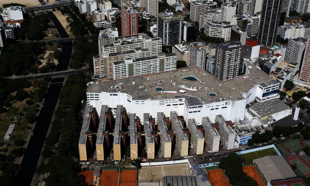 O conjunto habitacional Cruzada São Sebastião foi idealizado por Dom Hélder Câmara e inaugurado em 1955, cedido para parte dos moradores da Favela do Pinto. Foto: Custódio Coimbra / Agência O Globo