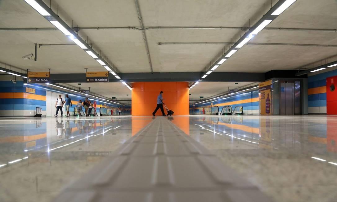 Interior da estação do metrô Antero de Quental Foto: Custódio Coimbra / Agência O Globo