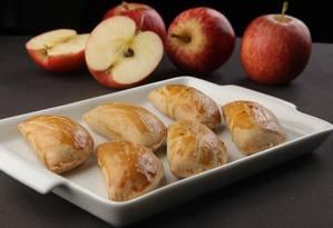 Pastel de forno de maçã com peito de peru da Academia da Cachaça da Barra Foto: Berg Silva / Berg Silva / Divulgação