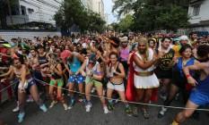 Apesar do local de concentração, a Praça da Bandeira, ter sido divulgado apenas com duas horas de antecedência, o bloco encheu Foto: Marcia Foletto / O Globo