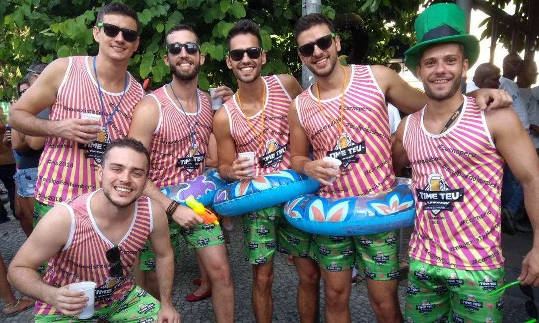Amigos de Balneário Camboriú curtem carnaval do Rio pela primeira vez. Foto: Ana Carolina Santos
