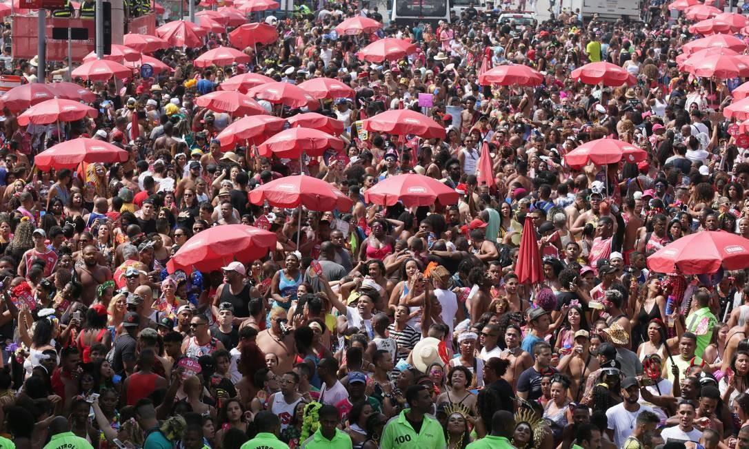 Blocos vão arrastar milhões pelas ruas Foto: Cléber Júnior / Agência O Globo