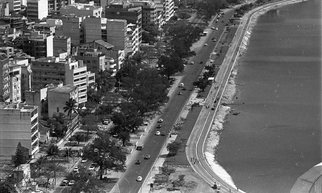 No coração da Cidade Maravilhosa, a vista aérea da Lagoa Rodrigo de Freitas em 1977 Paulo Moreira / Agência O Globo
