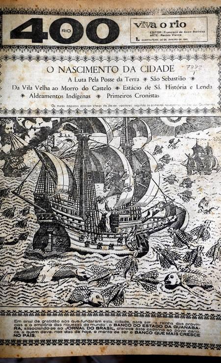 O colecionador tijucano Carlos dos Santos guarda documentos e matérias em jornais históricos sobre a fundação do Rio Foto: Cezar Loureiro / Agência O Globo