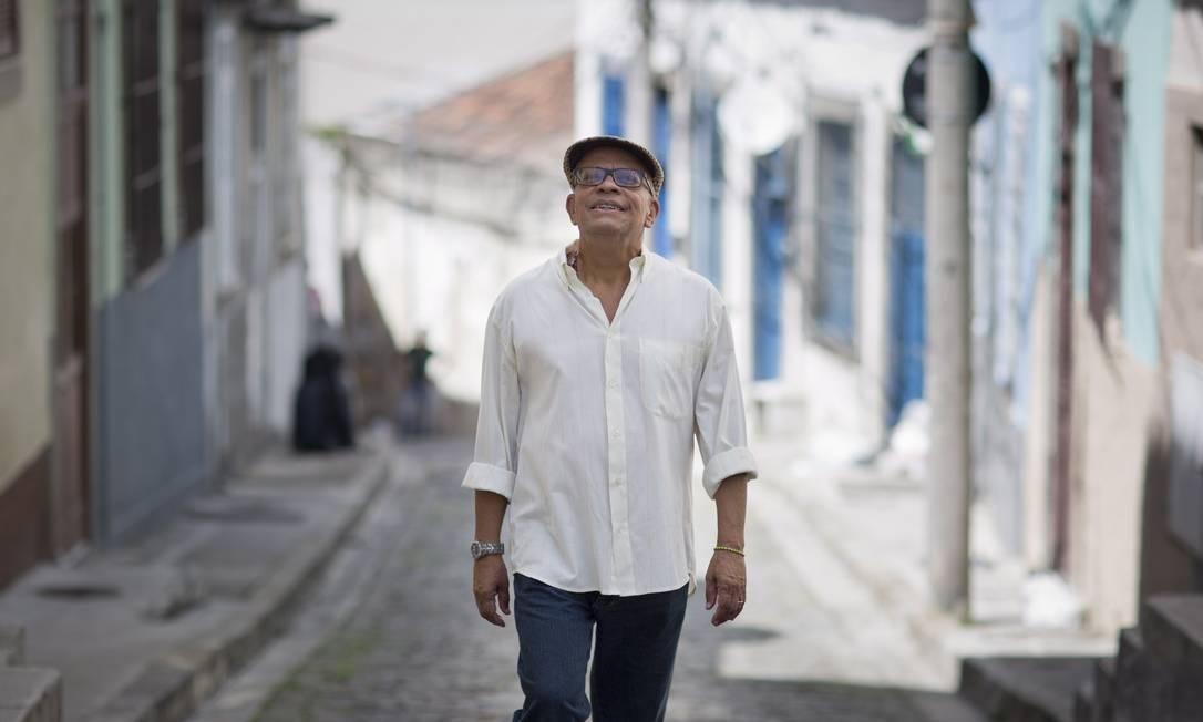 Nei Lopes, um intelecutal carioca: cantor, compositor, romancista, pesquisador e sambista Foto: Hudson Pontes