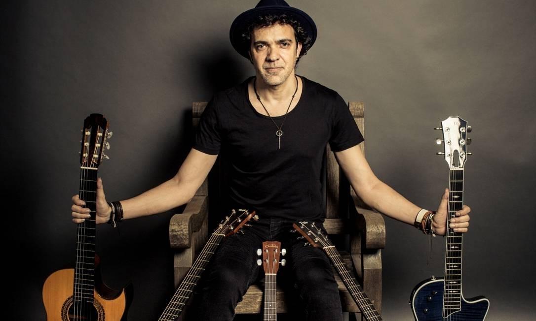 O cantor e compositor Paulinho Moska Foto: Jorge Bispo