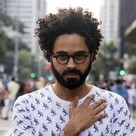O cantor e compositor César Lacerda Foto: Divulgação / Lucas Silvestre
