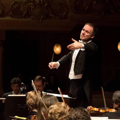 Maestro Tobias Volkmann - Orquestra Sinfônica do Teatro Municipal Foto: Divulgação/Júlia Rónai