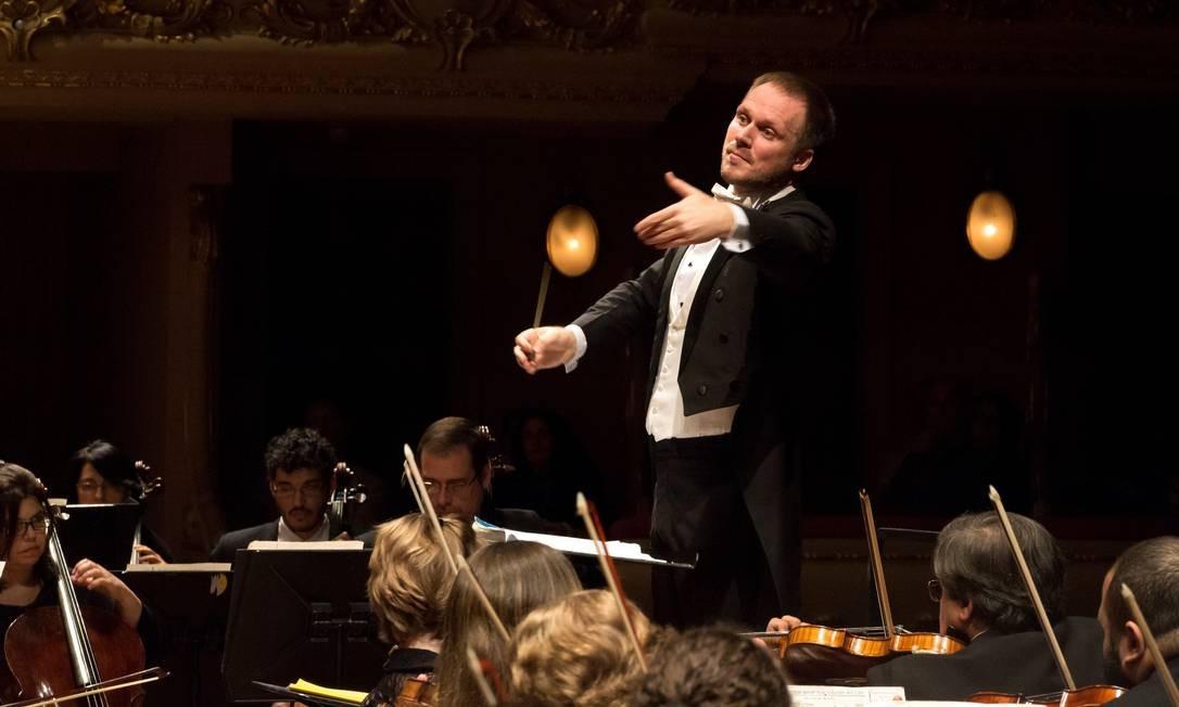 O maestro Tobias Volkmann Foto: Divulgação/Júlia Rónai