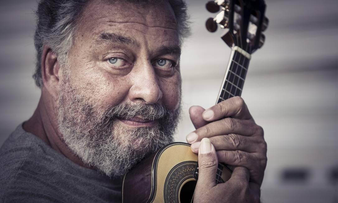 """Paulão, que herdou o dom musical do avô, assina a direção musical de """"Negros e judeus na Praça Onze"""" Foto: Leo Martins / Agência O Globo"""
