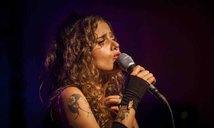 A cantora Ana Cañas Foto: Hermes de Paula / Agência O Globo