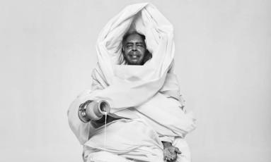 Gilberto Gil encarna Oxalá na mostra 'Orisá' Foto: Daryan Dornelles