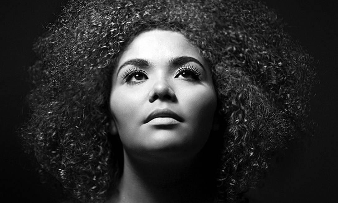 A cantora americana Alma Thomas interpreta grandes standards do jazz, às 20h30m, no Teto Solar (2543-5411). R$ 10. 16 anos. Divulgação