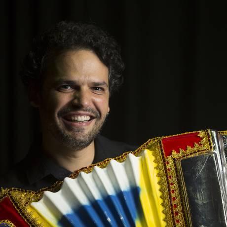 O cantor, compositor, arranjador, pianista e sanfoneiro Marcelo Caldi Foto: Leonardo Aversa / Divulgação