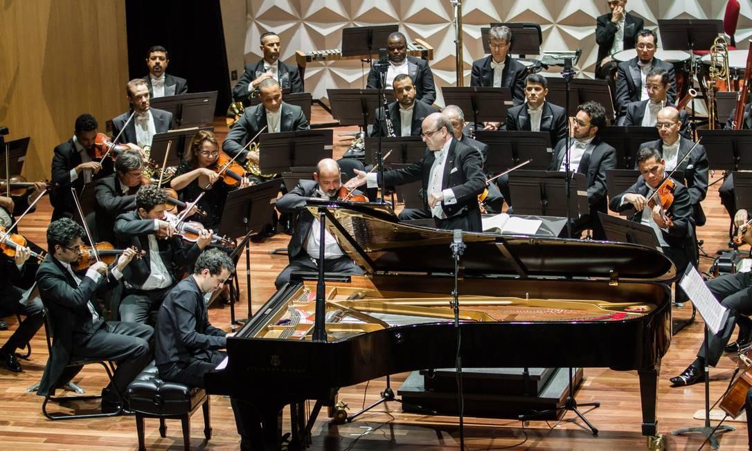 A Orquestra Sinfônica Brasileira em ação na Sala Cecília Meireles Foto: Cícero Rodrigues / Divulgação