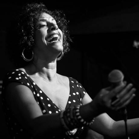A cantora Sanny Alves Foto: Cris Costa / Divulgação