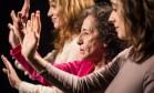 O elenco de intérpretes-criadores é formado por Ciro Sales, Juliana Linhares, Marina Vianna e Oscar Saraiva e Angel Vianna, bailarina convidada Foto: Renato Mangolin / Divulgação