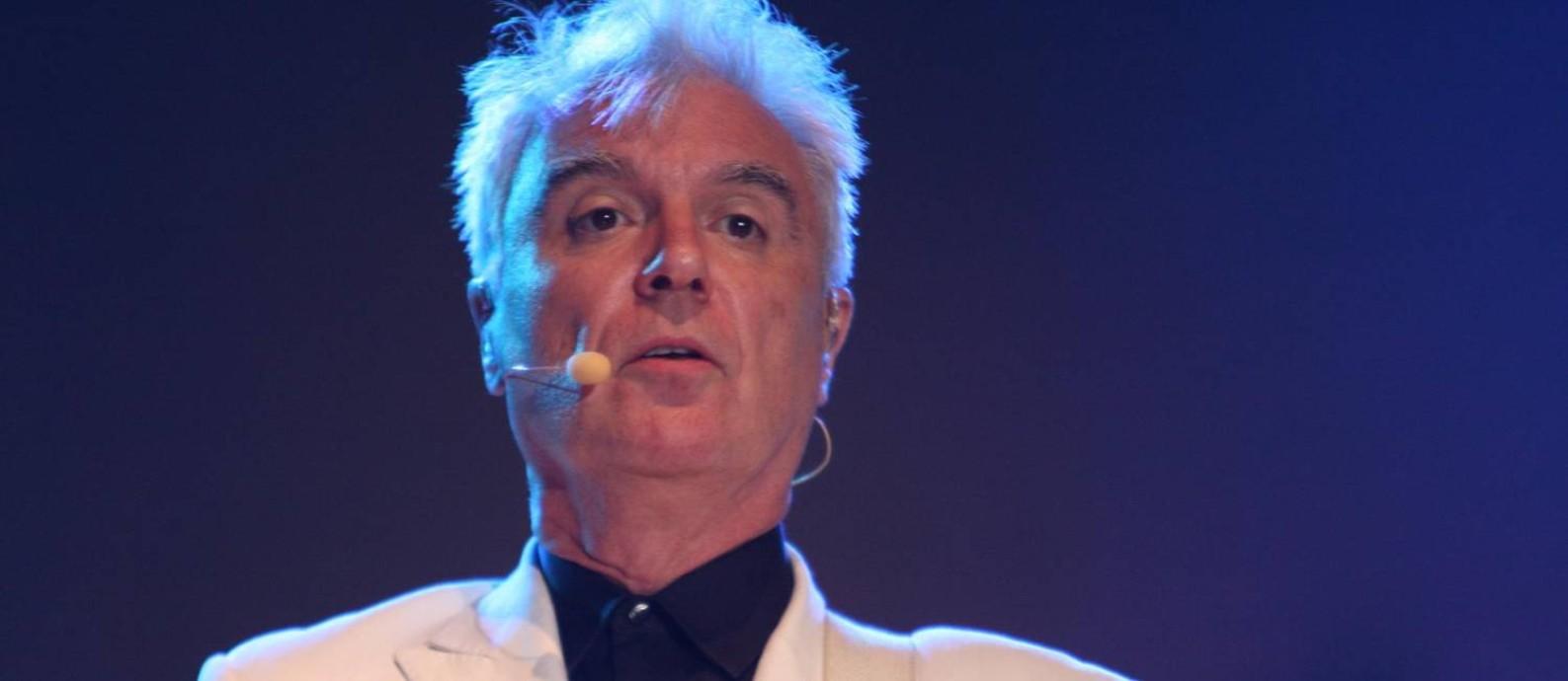 David Byrne vai fazer três shows pelo Brasil além do festival Lollapalooza Foto: Divulgação