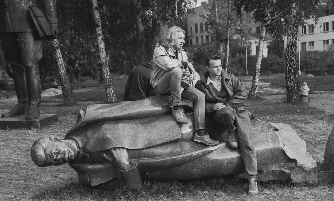 Três exposições despedem-se no próximo domingo: 'A União Soviética através da câmera' (foto), no Paço Imperial; 'Conflitos: fotografia e violência política no Brasil 1889-1964', no Moreira Salles e a individual 'Blind gallery', no Museu de Arte Moderna Foto: Divulgação/Viktor Akhlomov